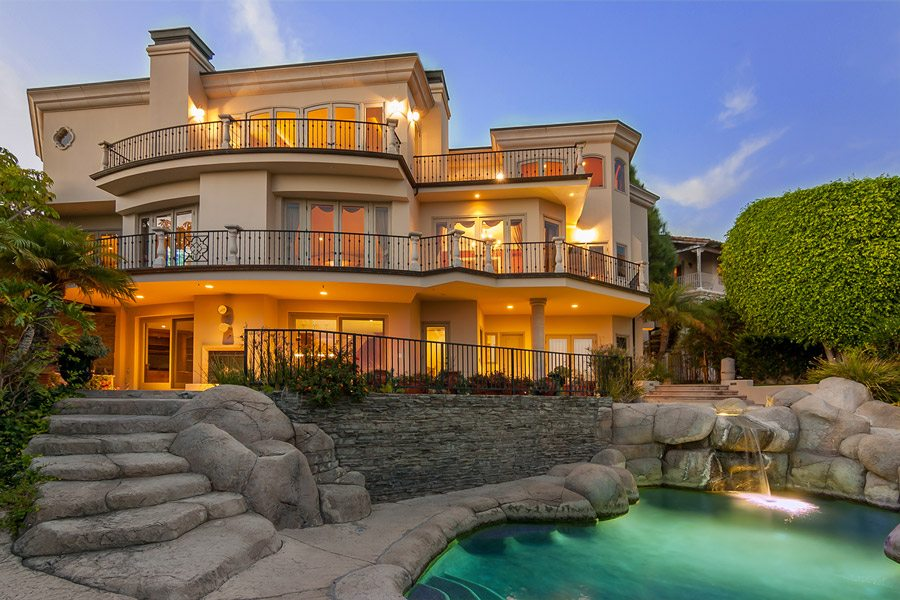 Platinum luxury auctions offers ocean view estate in for Laguna beach luxury real estate